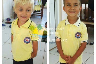 uniformy soukromé mezinárodní školy