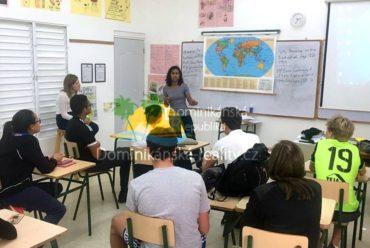 střední škola  v Dominikánské republice
